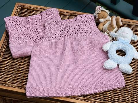 Aelwen Baby Dress Knitting Pattern by Wyndlestraw Designs - www.wyndlestrawdesigns.com